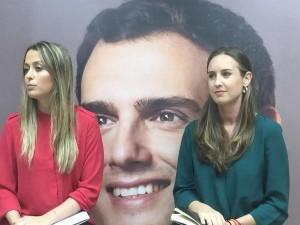 """Teresa Berástegui y Melisa Rodríguez en la charla """"La juventud en la política"""""""