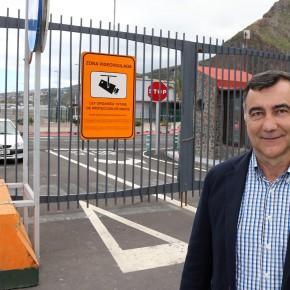 Cs pide a la Autoridad Portuaria que permita el paso de los vehículos de emergencia a través de la vía interior del puerto de Santa Cruz de La Palma