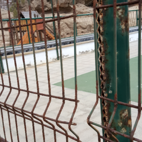 """Cs denuncia el abandono de las instalaciones deportivas en Abades y exige al Ayuntamiento de Arico que actúe """"antes de que haya que lamentar algún accidente"""""""