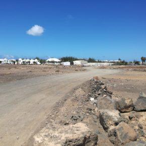 Ciudadanos pide al Ayuntamiento de Yaiza que acondicione la carretera de tierra cercana al residencial Marcastel