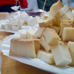 Ciudadanos propone al Ayuntamiento de Arico que recupere la antigua quesería para reubicar ahí el Mercado del Agricultor