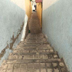 Ciudadanos pide al tripartito que instale una barandilla en la escalera de las viviendas de Arapiles