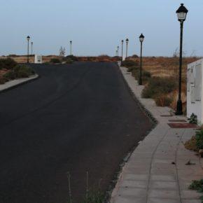 Cs denuncia la falta de voluntad del Ayuntamiento de Teguise para acabar con la falta de luz en la calle Alfredo Poveda (Tahíche)