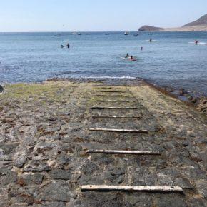 Ciudadanos denuncia el mal estado en el que se encuentra el embarcadero granadillero de Playa Chica