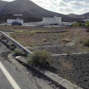 Ciudadanos pide que se acondicione urgentemente la rotonda de entrada hacia La Geria desde el pueblo de Uga