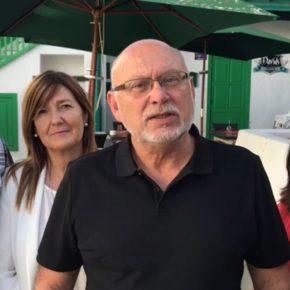 Ciudadanos pide que se habilite una zona de baño para perros en el litoral de Costa de Teguise