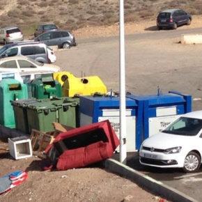 Ciudadanos exige a CC y PP que acaben con los vertederos incontrolados en Los Abrigos y refuercen la limpieza en este núcleo turístico