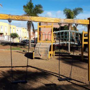 Cs exige a CC y PP que pongan en marcha un plan de mejora y acondicionamiento de las zonas de juego de los parques infantiles