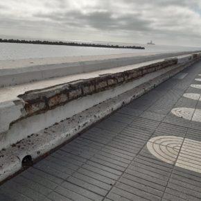 Ciudadanos denuncia el lamentable estado de la Avenida Marítima y sus accesos peatonales