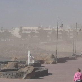 Cs pide al Ayuntamiento de Yaiza una solución al levantamiento de polvo y tierra que están provocando las obras de Playa Blanca