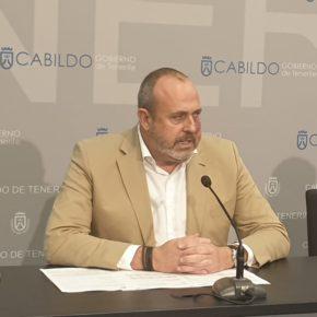 """Arriaga: """"El Cabildo abaratará el transporte público a los usuarios frecuentes en 2020"""""""