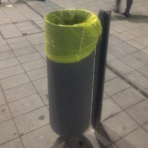 Cs denuncia que las nuevas papeleras de la capital ralentizan el trabajo de los operarios y atentan contra el medio ambiente