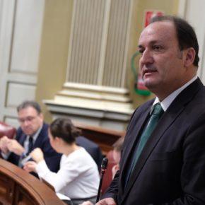 """Fernández de La Puente: """"Hay razones de sobra para que la Unión Europea apoye la eliminación de la tasa de queroseno en los vuelos a Canarias"""""""