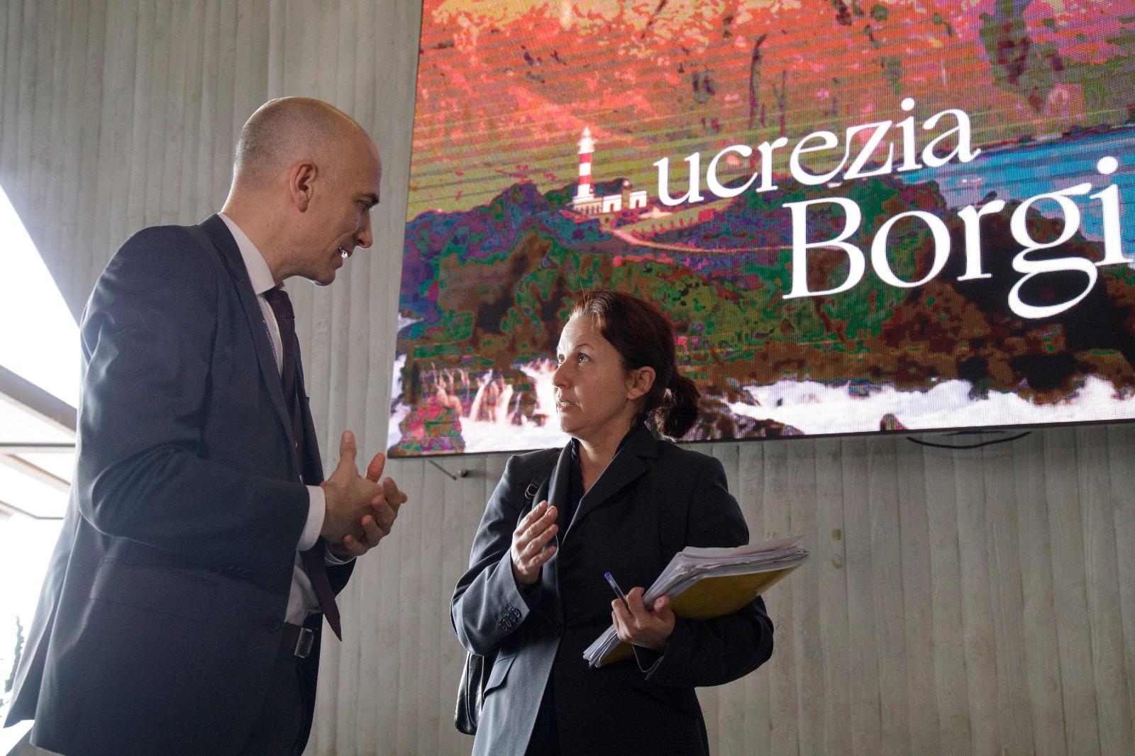Concepción Rivero inicia un calendario de visitas a los centros culturales de referencia en la isla