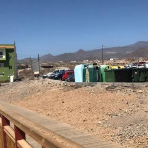Ciudadanos pide reubicar los contenedores que están junto al paseo marítimo de Los Abrigos