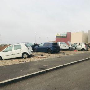 Ciudadanos pide la retirada inmediata de los vehículos desguazados en San Isidro