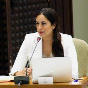 Vidina Espino insta a Educación a pelear la contratación de los 700 docentes más que se requieren para bajar la ratio alumno-profesor