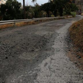 """Cs denuncia el estado """"lamentable"""" que presenta el asfalto en la vía de acceso a Barranco Seco"""