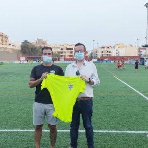 Adán García (Cs) urge al concejal de Deportes a solucionar los problemas para entrenar en el campo de fútbol La Hoya del Pozo